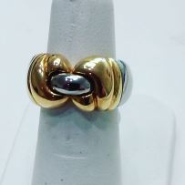 18Kt white and yellow gold ring. Bvlgari