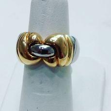 18Kt white and yellow gold ring. Bvlgari