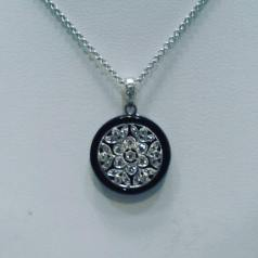 14Kt white gold necklace set with diamonds and black enyx