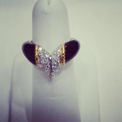 18Kt white, yellow gold set with diamonds and black enyx