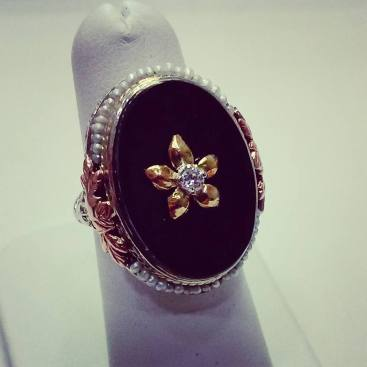 14kt white, yellow, pink gold ring art deco set with black enyx and diamonds