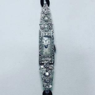 Art deco watch platinum set with diamonds