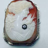 14Kt white gold cameo pin set with diamond circa 1930