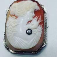14Kt white gold cameo pin set with diamond circa 1930