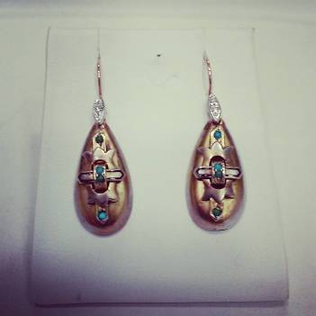 14Kt pink gold and platinum set with diamonds and turquoise.circa 1920