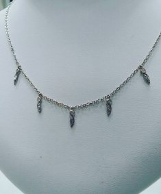 14Kt white gold necklace set with diamonds